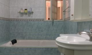 Santo André: Apartamento Reformado 3 Dormitórios 104 m² no Centro de Santo André. Sala ampla 2 ambientes, copa/cozinha, área de serviço com wc, 3 dormitórios sendo 1 com armários embutidos. Prédio de 8 andares, 2  7