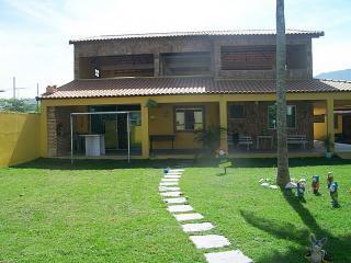 Casa Com 2 Suítes, Campo De Futebol,Terraço, Casa De Caseiro Completa, Em Ponta Negra-Maricá.