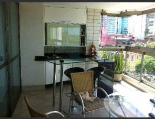 Apartamento em Praia do Canto ES, 4 quartos, 4 suítes, 200m2, Sol da manhã, frente, armários embutidos, 3 vagas de garagem, piscina, salão de festas, andar alto, varanda, elevador
