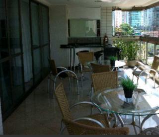 Vitória: Apartamento em Praia do Canto ES, 4 quartos, 4 suítes, 200m2, Sol da manhã, frente, armários embutidos, varanda, 3 vagas de garagem, elevador, piscina, salão de festas 2