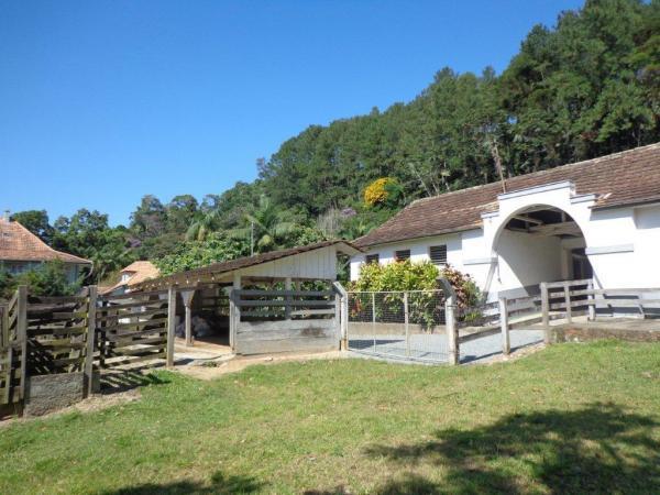 São Paulo: Duas Casas Alto Padrão e Terreno de 260 mil m2 em Blumenau 20