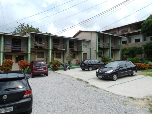 São Paulo: Condomínio com 15 apartamentos e 1 cobertura em Ponta Negra 2