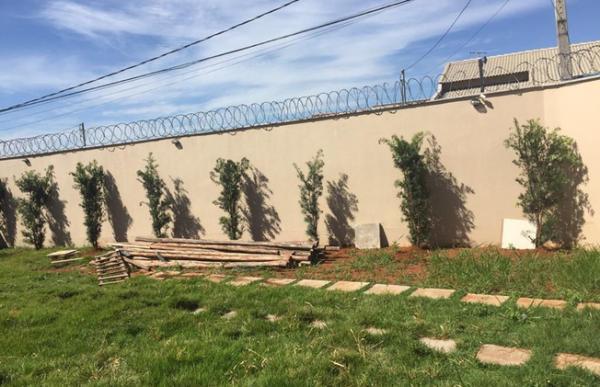 Uberlândia: casa de esquina comercial ou residencial 3