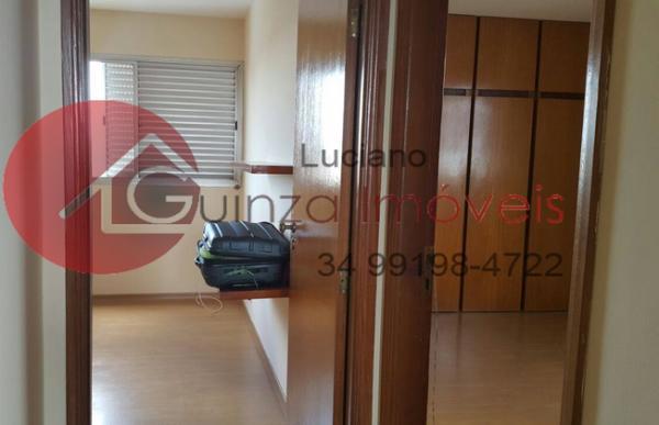 Uberlândia: Vendo apartamento bairro aparecida 3