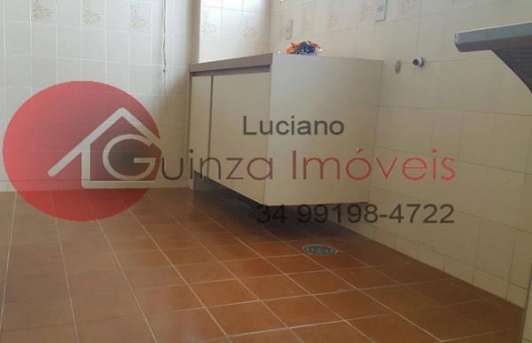 Uberlândia: Vendo apartamento bairro aparecida 5