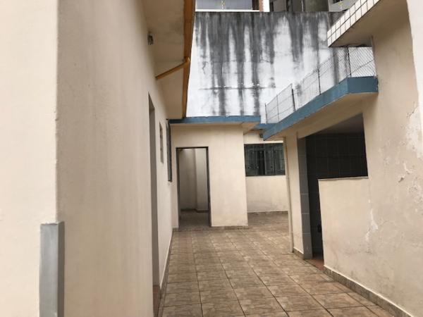 Santo André: Ótimo Terreno Plano 400 m² em Santo André - Bairro Jardim.  Plano, com construção antiga. Excelente para construtores. Melhor localização do bairro, próximo à Rua das Figueiras, comércios, vias de tra 3