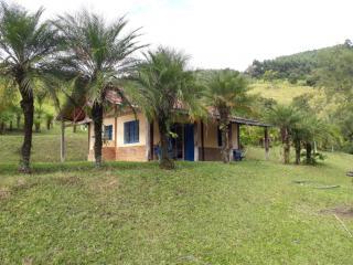 Biritiba-Mirim: Lindo Sitio com ótima topografia e e frente para o asfalto 2