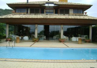 Mansão com 5 quartos e de alta qualidade na Praia Brava