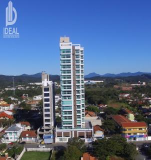 Piçarras: Apartamento frente mar em Balneário Piçarras. 1