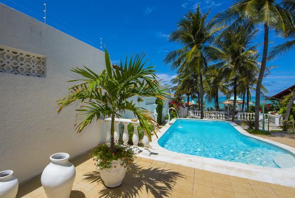 São Paulo: Casa e Villa alto padrão com 4 Suites na praia de Ponta Negra 2