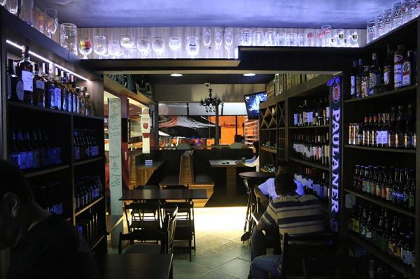 Santo André: Lindo Bar Noturno / Empório em Mauá. 1