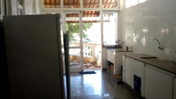 Vitória: Casa em Cachoeiro de Itapemirim ES, 4 quartos, suíte, 270m2, Sol da manhã, frente, armário embutidos, 5 vagas de garagem, piscina 10