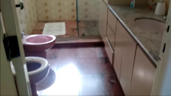 Vitória: Casa em Cachoeiro de Itapemirim ES, 4 quartos, suíte, 270m2, Sol da manhã, frente, armário embutidos, 5 vagas de garagem, piscina 14