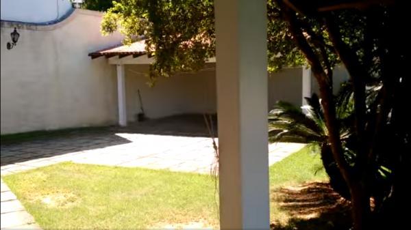 Vitória: Casa em Cachoeiro de Itapemirim ES, 4 quartos, suíte, 270m2, Sol da manhã, frente, armário embutidos, 5 vagas de garagem, piscina 26
