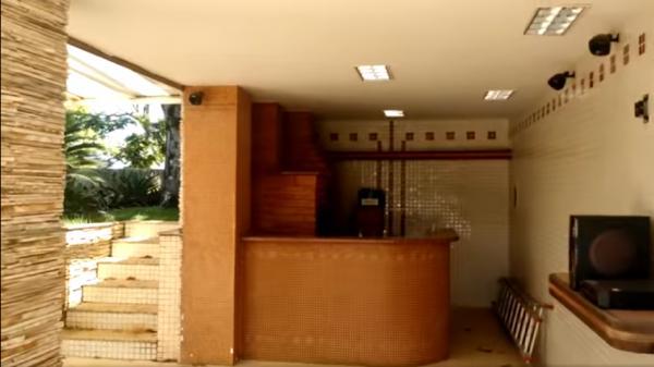 Vitória: Casa em Cachoeiro de Itapemirim ES, 4 quartos, suíte, 270m2, Sol da manhã, frente, armário embutidos, 5 vagas de garagem, piscina 30