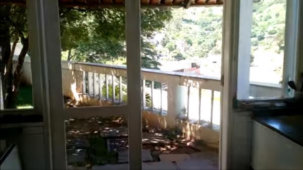 Vitória: Casa em Cachoeiro de Itapemirim ES, 4 quartos, suíte, 270m2, Sol da manhã, frente, armário embutidos, 5 vagas de garagem, piscina 4