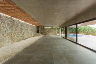 São Paulo: Luxuosa Villa em Guarujá com 5 suítes e área construída de 1.100 m², no Condomínio Península 1
