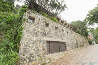 São Paulo: Luxuosa Villa em Guarujá com 5 suítes e área construída de 1.100 m², no Condomínio Península 13