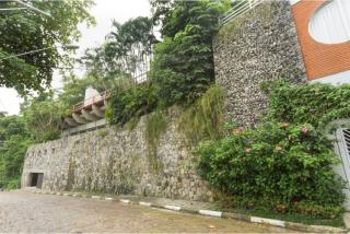 São Paulo: Luxuosa Villa em Guarujá com 5 suítes e área construída de 1.100 m², no Condomínio Península 14