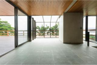 São Paulo: Luxuosa Villa em Guarujá com 5 suítes e área construída de 1.100 m², no Condomínio Península 5