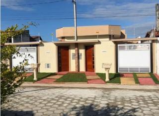 Linda casa em Itanhaém com piscina LADO PRAIA, com acabamento de qualidade !!!