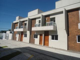 Itanhaém: Lindo sobrado em condomínio fechado em Itanhaém com excelente localização !!! 2