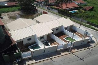 Itanhaém: Casa com piscina em Itanhaém de frente para o mar !!! 1