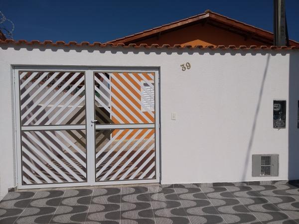 Itanhaém: Casa com piscina e churrasqueira em Itanhaém, LADO PRAIA, não perca essa oportunidade !!! 2