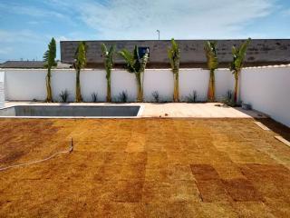 Itanhaém: Casa com piscina e churrasqueira, LOTE INTEIRO, financiamento direto com o construtor 2