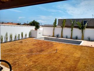 Itanhaém: Casa com piscina e churrasqueira, LOTE INTEIRO, financiamento direto com o construtor 4