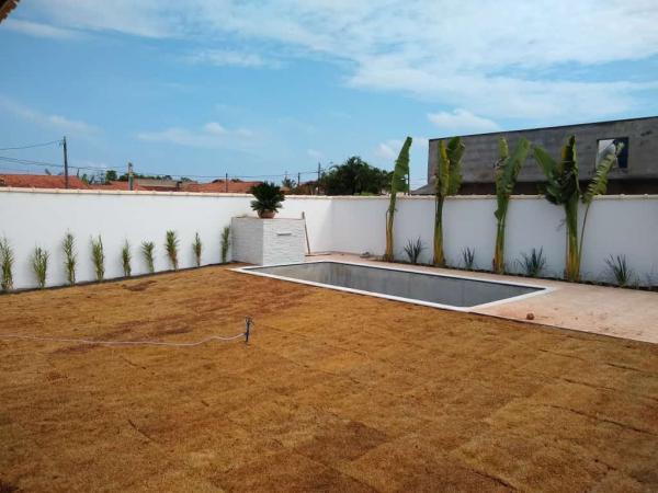 Itanhaém: Casa com piscina e churrasqueira, LOTE INTEIRO, financiamento direto com o construtor 7