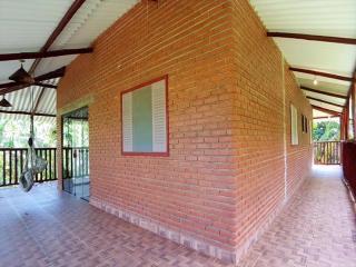 Itanhaém: Lindo sitio em Mongaguá, com amplo espaço, muito verde, ar puro e água boa !!! 1