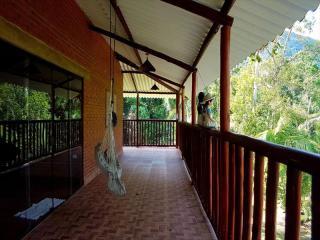 Itanhaém: Lindo sitio em Mongaguá, com amplo espaço, muito verde, ar puro e água boa !!! 2