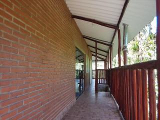 Itanhaém: Lindo sitio em Mongaguá, com amplo espaço, muito verde, ar puro e água boa !!! 3
