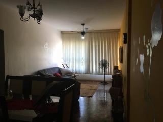 Vitória: Apartamento para venda em Praia do Canto ES, 3 quartos, suíte, 120m2, Sol da manhã, frente, dependência de empregada, armários embutidos, 2 vagas de garagem, elevador  1