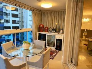 Florianópolis: Alto Padrão - Apartamento 3 suítes - Beira Mar Norte - Floripa/SC 12