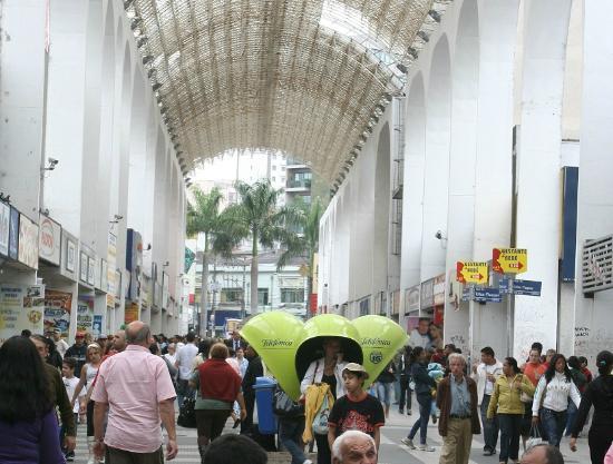 Santo André: Loja de Variedades na Rua Cel. Oliveira Lima, Centro de Santo André. 1
