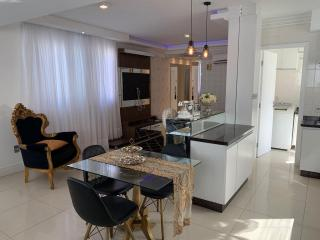 Balneário Camboriú: Apartamento a venda semi-mobiliado e decorado em andar baixo 2 vagas de garagem. Apartamento a venda Isemi-mobiliado e decorado em andar baixo 2 vagas de garagem 4