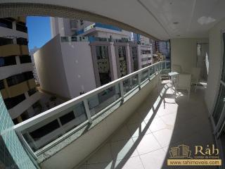 Balneário Camboriú: Apartamento 1 suíte + 1 dormitório com 1 vaga privativa - Ampla sacada com churrasqueira. 2