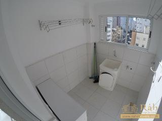 Balneário Camboriú: Apartamento 1 suíte + 1 dormitório com 1 vaga privativa - Ampla sacada com churrasqueira. 3