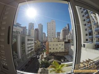 Balneário Camboriú: Apartamento 1 suíte + 1 dormitório com 1 vaga privativa - Ampla sacada com churrasqueira. 4