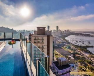 Balneário Camboriú: Apartamento 2 suítes cozinha, ampla sala de estar e jantar e sacada com vista privilegiada. 1