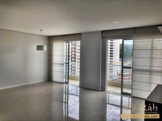 Balneário Camboriú: Apartamento 2 suítes cozinha, ampla sala de estar e jantar e sacada com vista privilegiada. 2