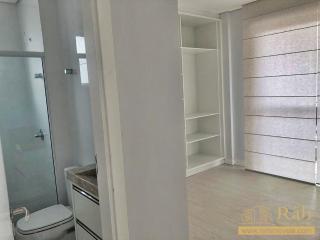 Balneário Camboriú: Apartamento  Localizado a 50m da praça beira-rio, próximo a supermercados 7