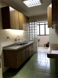 Santos: Apartamento  Pitangueira 5