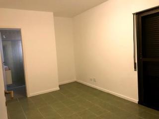 Santos: Apartamento  Pitangueira 8