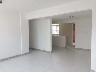 Vitória: Apartamento para venda em Barro Vermelho ES, 3 quartos, suíte, 98m2, andar alto, dependência de empregada, armários embutidos, 1 vaga de garagem, elevador, salão de festas  1