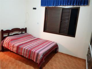 Santos: Apartamento Caicara 1