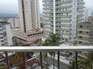 Santos: Apartamento Residencial Caiçara 2