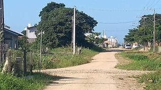 Barra Velha: Casa de madeira com 2 quartos 950 metros do mar, aceito carro como parte de pagamento 11